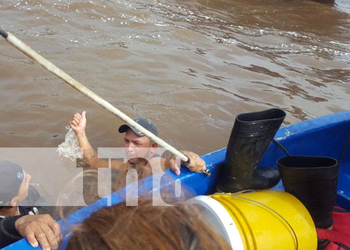 Foto: Rescatan a 4 personas al naufragar en la bahía de Bluefields / TN8