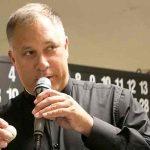 Renuncia sacerdote de EE.UU por mala conducta sexual y visitar bares gay
