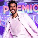 Sebastián Yatra recibe sorpresa en Premios Juventud