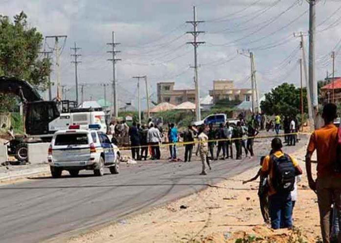 mundo, ataque, atentado, coche bomba, somalia, muertos,