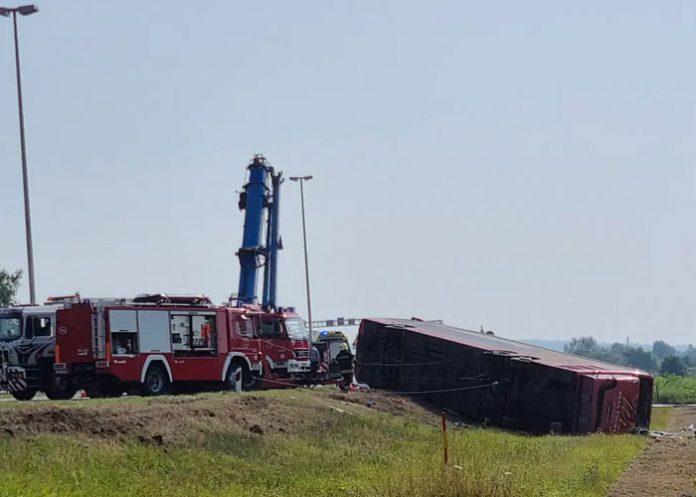 Foto: Un bus se sale de la autopista y deja 10 muertos y 45 heridos en Croacia / Europapress