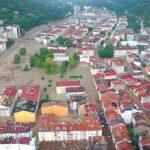 Ascienden a 17 los muertos por inundaciones en el norte de Turquía