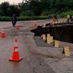 Lluvias causan hundimiento en la ruta Ciudad Quetzal y San Raymundo en Guatemala