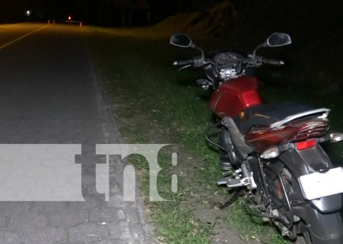 Motociclista provoca accidente de tránsito y se da a la fuga
