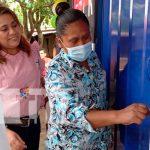 familias de la comunidad La Chona en san marcos, Carazo reciben departe del Gobierno, las llaves de lo que será de ahora en adelante su hogar