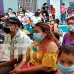 Entregan paquetes alimentarios a mujeres con parto múltiple en Tipitapa