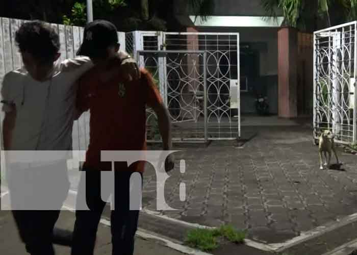 Ometepe: Motociclista y acompañantes se estrellan y terminan ilesos