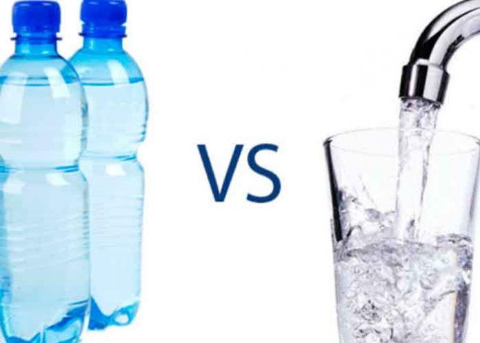 El agua embotellada tiene más bacterias que la del grifo ¿cuál es más dañina?