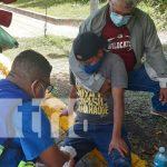 Hombre casi pierde su pierna al derramar un árbol en Managua