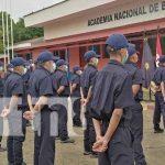 Nuevos bomberos preparándose en la academia nacional