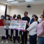 Entrega de financiamiento por parte del MEFCCA para negocios en Managua