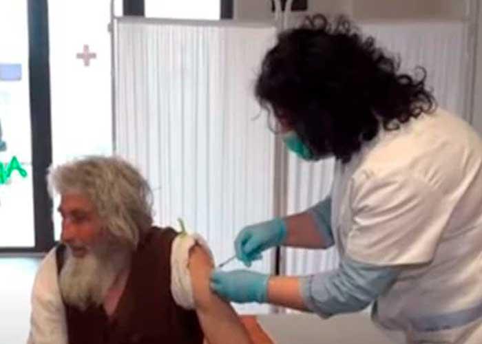 Cuando Petrovic se enteró de las vacunas contra la COVID-19, no dudó en inocularse.