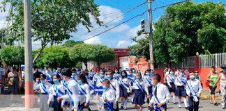 Estudiantes del Colegio Bello Horizonte desfilaron con orgullo patrio