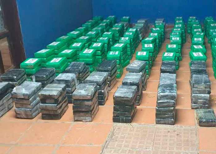 Hondureños en Panamá son capturados con 431 paquetes de droga