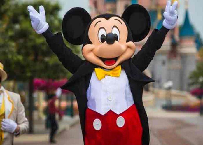 ¿Por qué en los baños de los parques de Disney no hay espejos?