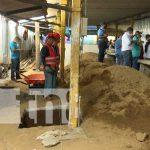 Remodelan galerón de mariscos en mercado en Israel Lewites