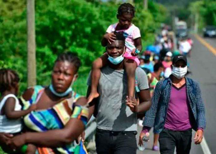Abandonan a 101 migrantes haitianos en Guatemala