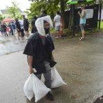 La costa de Luisiana se prepara para el impacto del huracán Ida