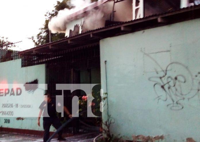 Dos viviendas afectadas dejó como consecuencia un fuerte incendio en Managua