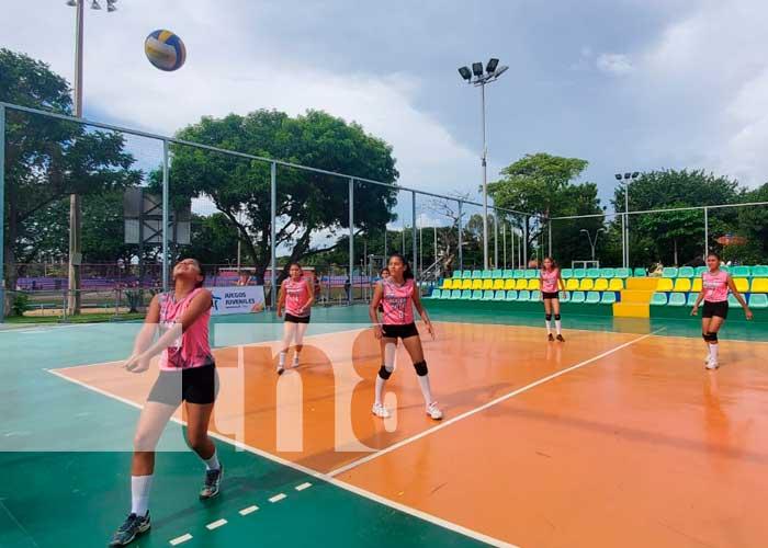 Equipos se disputan el campeonato de voleibol en los Juegos Juveniles 2021