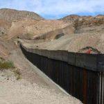 Hondureña fallece al caer de muro fronterizo entre EE.UU y México