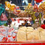 Comerciantes del mercado capitalino, Israel Lewites ofrecen grandiosos descuentos y promociones permanentes en cada uno de los productos conmemorativos a agosto