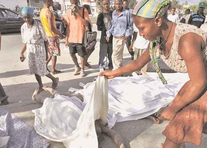 Sube la cifras de víctimas mortales a 1,297 en Haití por fuerte terremoto