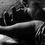 Mujer encadenada sufre violencia