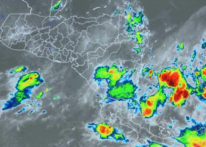 Imagen de la onda tropical que se aproxima a Nicaragua