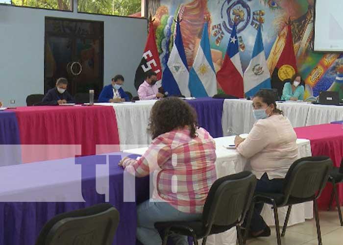 Foto: Nicaragua impulsa foro para mejorar la calidad de enseñanza / TN8
