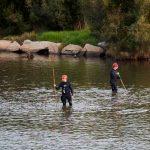 Servicios de Rescate buscan en un río los resto de niño