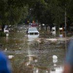 """Biden declara """"desastre mayor"""" en Tennessee azotado por inundaciones"""