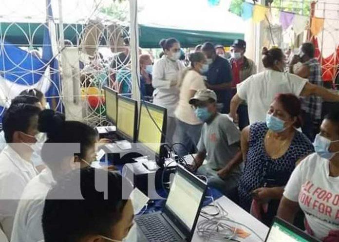 Jornada de aplicación de la vacuna contra el COVID-19 en Granada