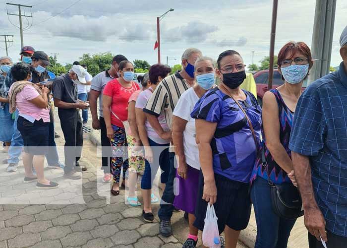 Jornada de vacunación en centro de salud de Mateare