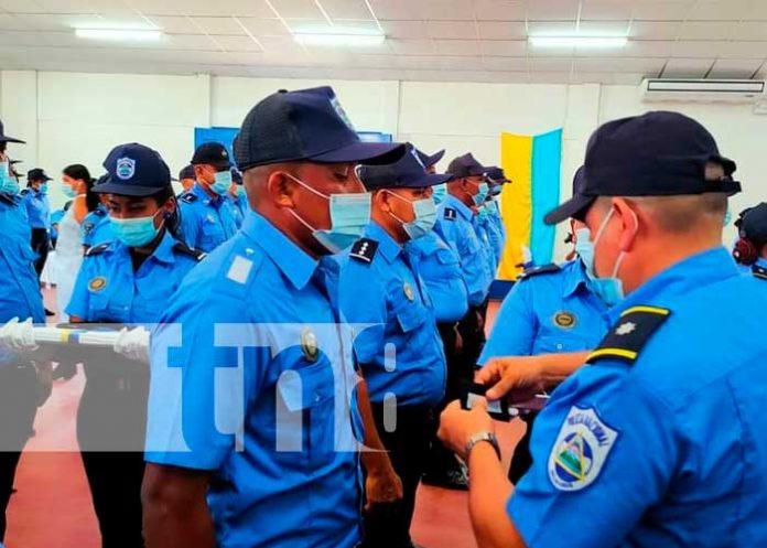 40 agentes de la Policía Nacional fueron ascendidos en grados en Río San Juan