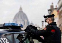 Detenido por acuchillar a 5 personas tras pedirle el billete de bus en Italia