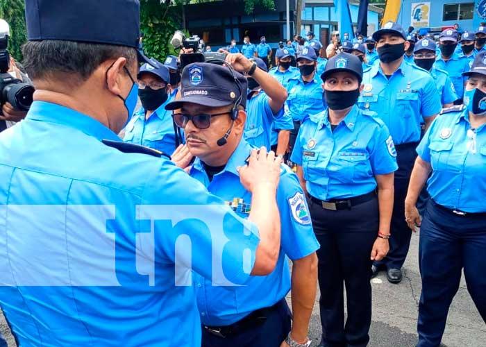 Policía Nacional de Managua ascendió en grados a oficiales destacados
