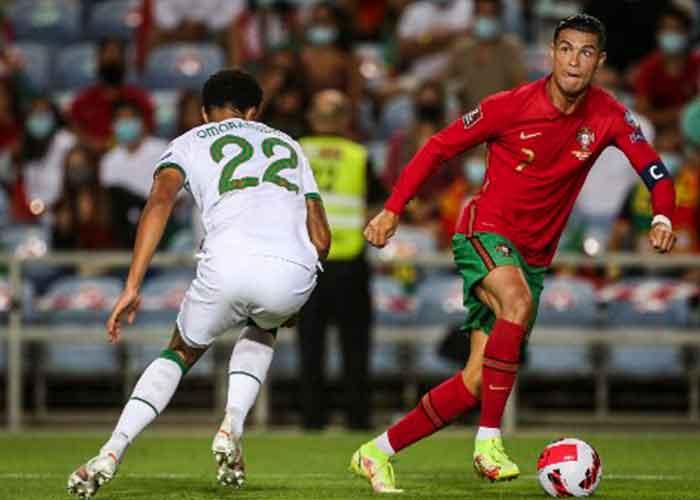 Una de las muchas jugadas sobresalientes de Ronaldo en su partido con Portugal