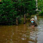 Al menos 6 muertos y miles de casas anegadas por inundaciones en Tailandia