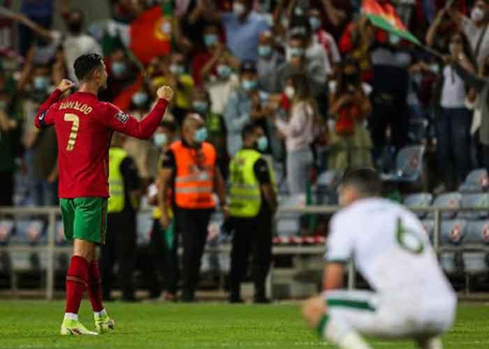Cristiano Ronaldo celebra el triunfo de Portugal sobre Irlanda