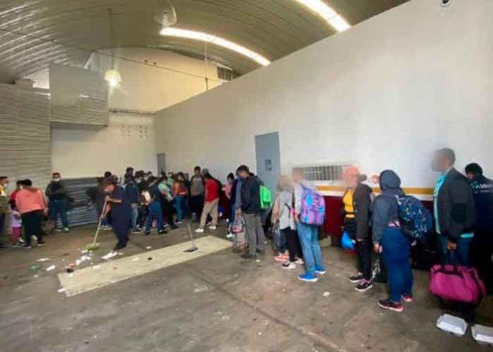 Encuentran a 162 migrantes en una bodega de Tamaulipas, México