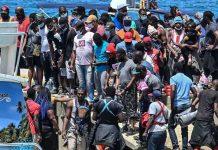 Migrantes desesperados por cruzar las frontera de Colombia con Panamá