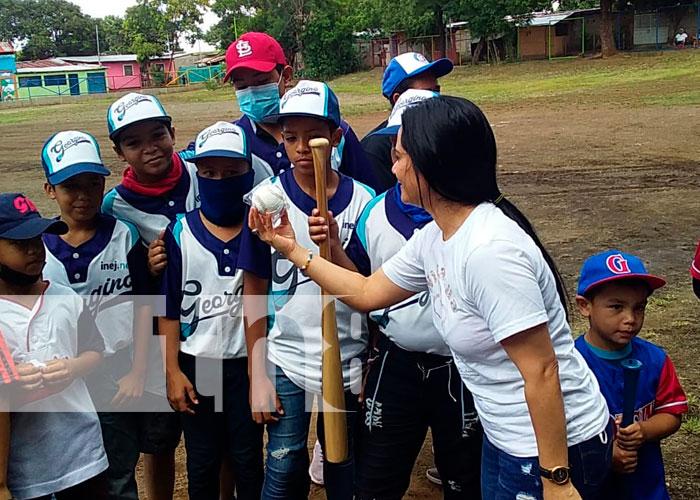 Entregan a jóvenes de Villa Progreso un campo deportivo totalmente remodelado