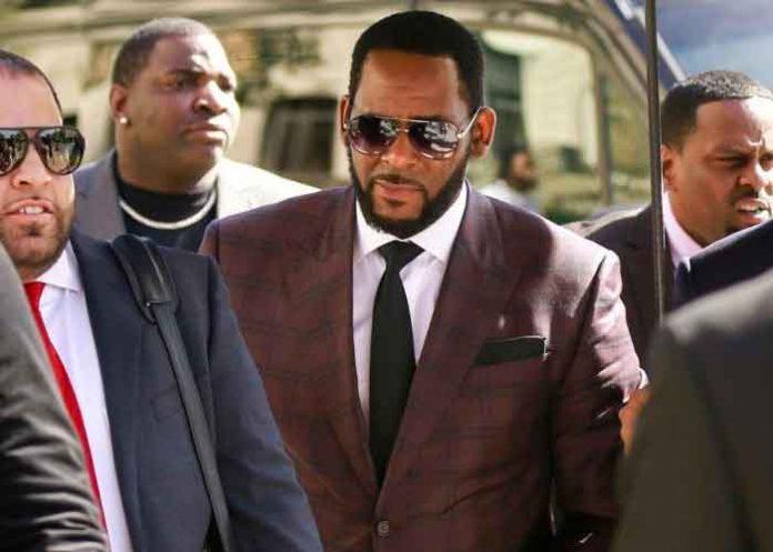 Decenas de testigos relatan durante todo un mes supuestos abusos de R. Kelly