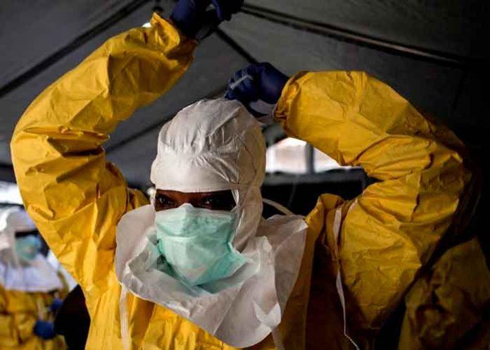 Uno de los médicos que descubrió el ébola lo da por