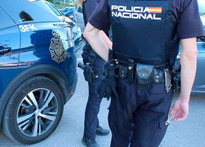 Policía incautó droga en botellas de refrescos en Lanzarote, España