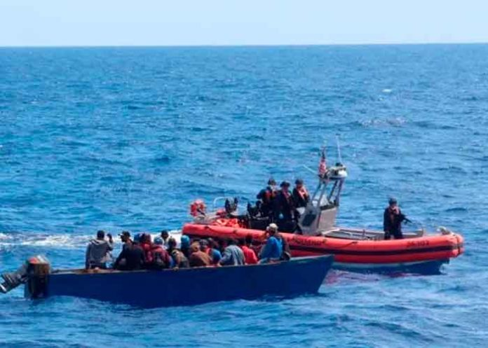 Interceptan una embarcación con 30 inmigrantes en Puerto Rico