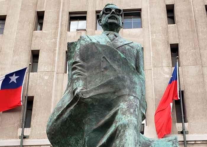 Diferentes actos en memoria de Salvador Allende se realizarán en el curso de este sábado en ciudades chilenas