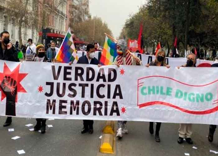 En Chile realizaron este sábado una marcha para recordar el asesinato de Salvador Allende