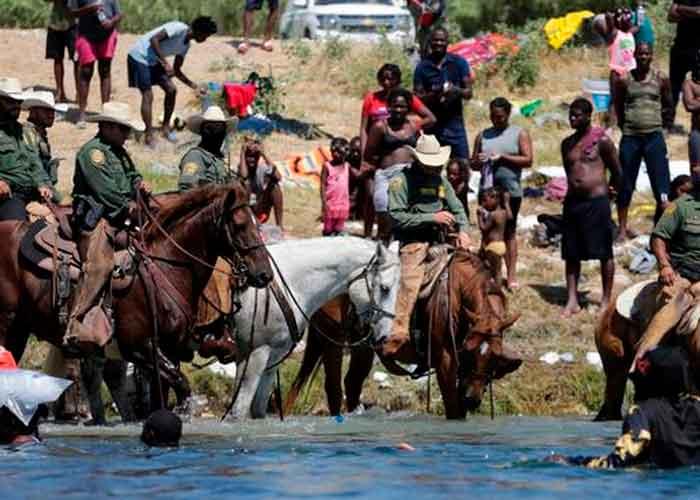Foto: Migrantes haitianos desalojan campamento en frontera México-Estados Unidos   Cortesía.